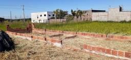 Terreno com casa iniciada no Cidade Jardim 1