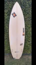 Prancha de Surf 5,11 e 28L - Seminova