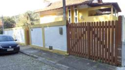 Casa em ótimo condomínio início do Carangola