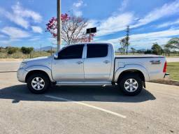 Toyota Hilux cabine dupla Diesel 4x4 completo Ano 2011 - 2011