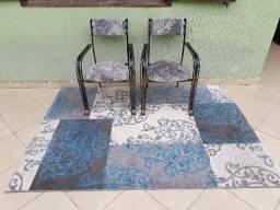 Cadeira de ferro estilo antigo