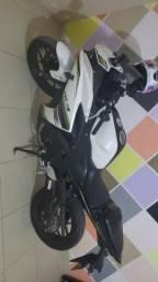 Moto Yamaha R3 2018 - 2018