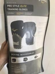 Luva e saco de boxe