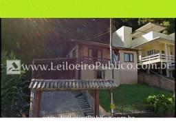 Concórdia (sc): Casa, Centro 520,00m² vascp