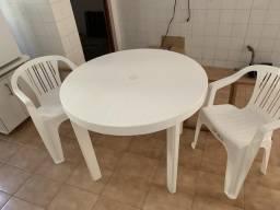 Mesa redonda 2 cadeiras