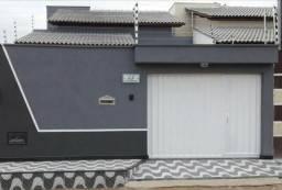 Casa bem localizada no Dinah Borges