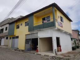 Prédio à venda com Apartamento de 3 Quartos e 2 Garagens no 1o andar, 400 m² por R$ 290.00