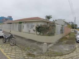 Casa terreá com terreno grande