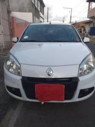 Vende- se Renault Sandero 2013 1.0 Completo branco - 2013