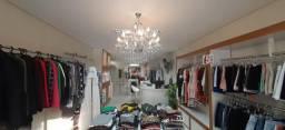 Linda loja de confecção feminina