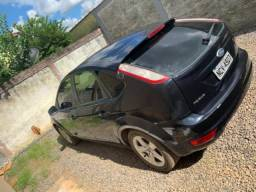 Vendo carro Ford Focus - 2012