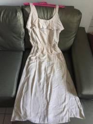 Vestido brilhosinho creme midi, da Aliança nunca usado, tamanho M