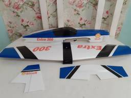 Aeromodelo Extra 300 entelado