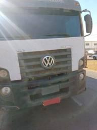 CAMINHÃO VW 24280 4 eixos 2013/ CAIXA DE SILO