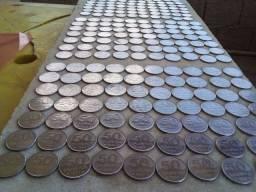 250 moedas