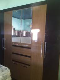 Guarda-roupa 8 portas com espelho Reis