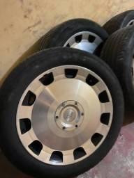 Título do anúncio: Jogo de rodas aro 18 com pneus