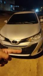 Título do anúncio: Toyota Yaris sedan
