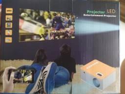Título do anúncio: Mini Projetor , whts na descrição