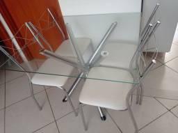 Título do anúncio: Mesa - 4 cadeiras