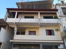 Vendo este prédio de 510 m² com 4 residência no centro do município de Atílio Vivacqu/ES