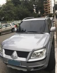 Pajero SUV 12/12 Prata - 2012