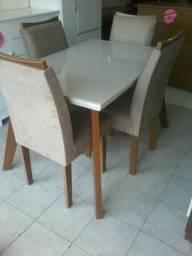 Promoção mesa 4 cadeiras de mostruario (nova) 1.350,00 entrega e montagem gratis