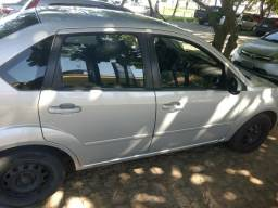 Ford Fiesta Sedan - 2009