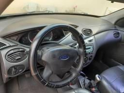 Focus sedan glx 1.6flex - 2008