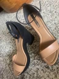 Sandália salto médio moleca