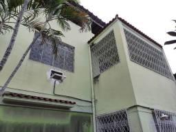 Casa de Vila Todos os Santos 03 quartos garagem Oportunidade