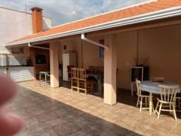 Casa com 4 dormitórios e área gourmet no Egisto Ragazzo