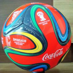 Bola adidas brazuca nova sem detalhe fotos reais tamanho oficial de jogo