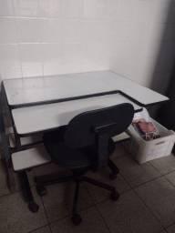 Título do anúncio: Mesa computador ou escritório 0.90x 0.61 m
