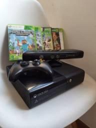 Xbox 360 com Kinect e 5 jogos aberto a negociar