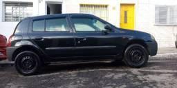 Clio 2001 1.0 8v  4 portas