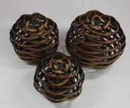 Bolas decorativas por a penas  R$ 39,99