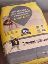 Título do anúncio: Argamassa Porcelanato e Piso sobre Piso Cinza para uso interno Quartzolit