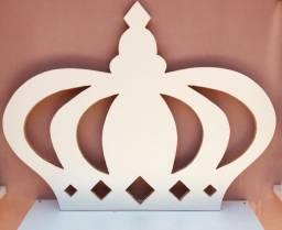 Título do anúncio: Coroa Grande Em MDF Branco / Dimensões : 77cm  x  98cm  x  1,5cm (AxLxE)