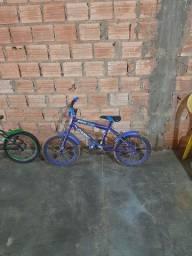Vendo estas bicicleta de criança