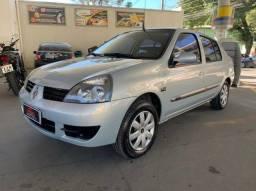 Clio Sedan 1.0 completo