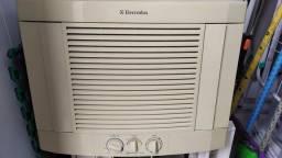 Título do anúncio: Ar condicionado Eletrolux 10000btu parede 220v