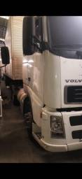 Vende-se caminhão Volvo Fh