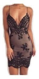 Vestido bordado luxo curto