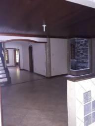 Cód. 257 - Casa de 2 pavimentos, 4 suítes, piscina e churrasqueira