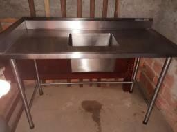 Vendo pia industrial com mesa de manipulação de alimentos de inox