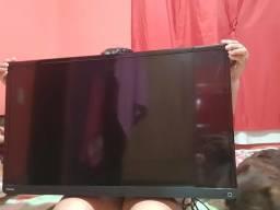 Vendo TV Toshiba 32 com acesso à internet via cabo