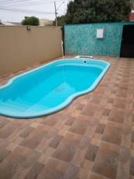 CASA, linda, de esquina, porcelanato, 3 qt, piscina - 370 mil