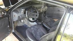 Venou troco por um carro de 4 porta - 1995