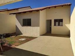 Linda Casas de 3/4 c/ suite em condominio fechado com a frente murada R$ 170.000